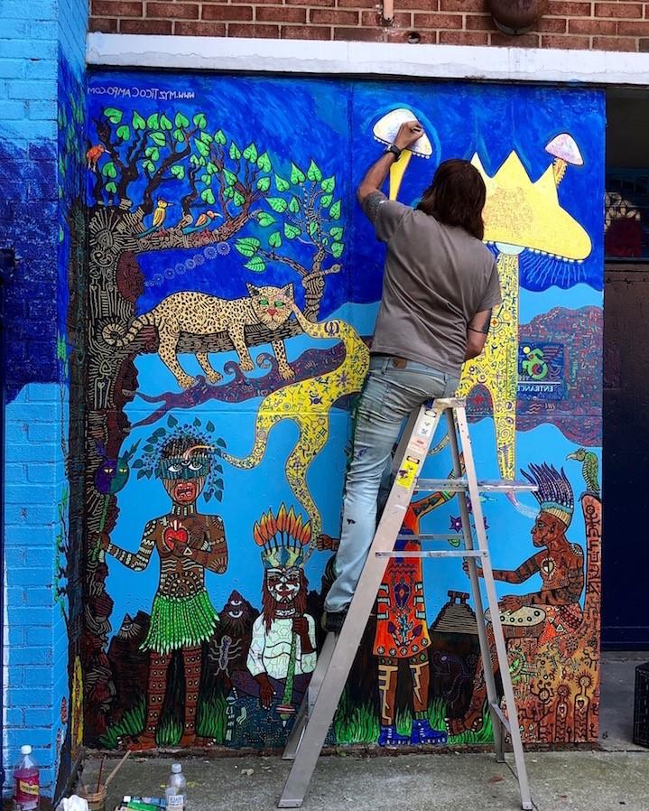 Cherchez d'abord en ligne différentes décorations de murs extérieurs, puis donnez l'idée au peintre.
