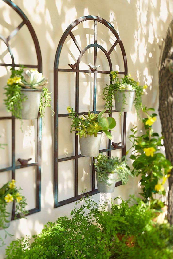Une autre idée peu coûteuse consiste à choisir des fleurs: elles ne coûtent pas trop cher et sont toujours belles.