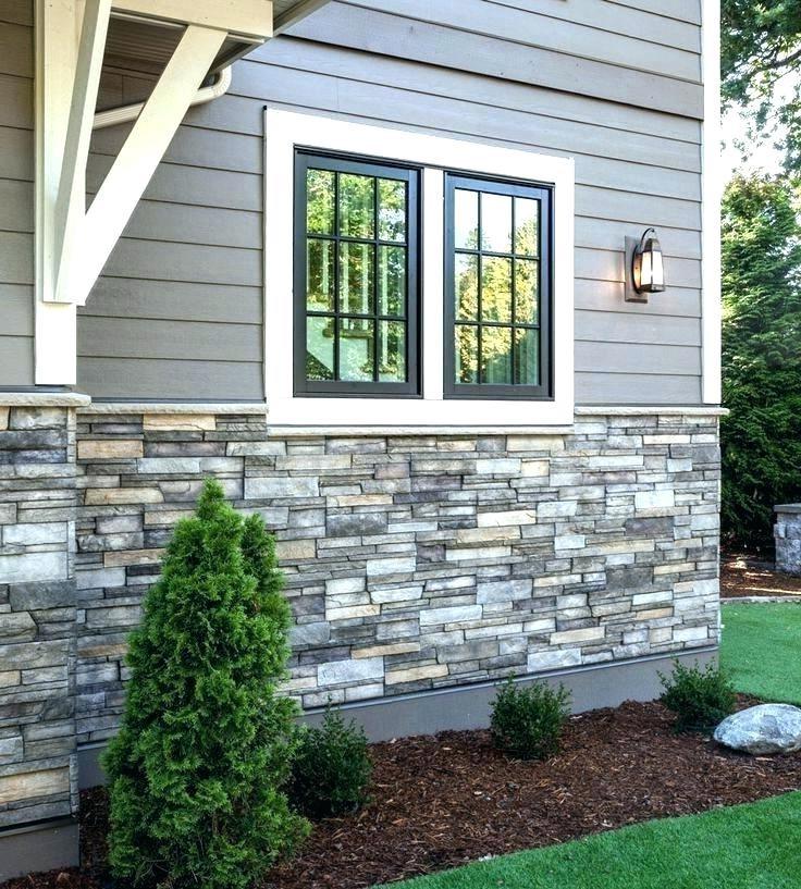 La pierre est également belle avec un décor extérieur en bois.