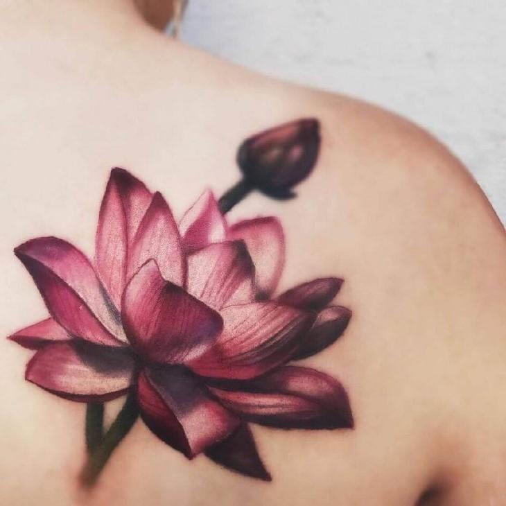 Dans l'art bouddhiste, le lotus est souvent représenté avec 8 pétales symbolisant le Sentier Octuple, un principe fondamental de la religion bouddhiste.