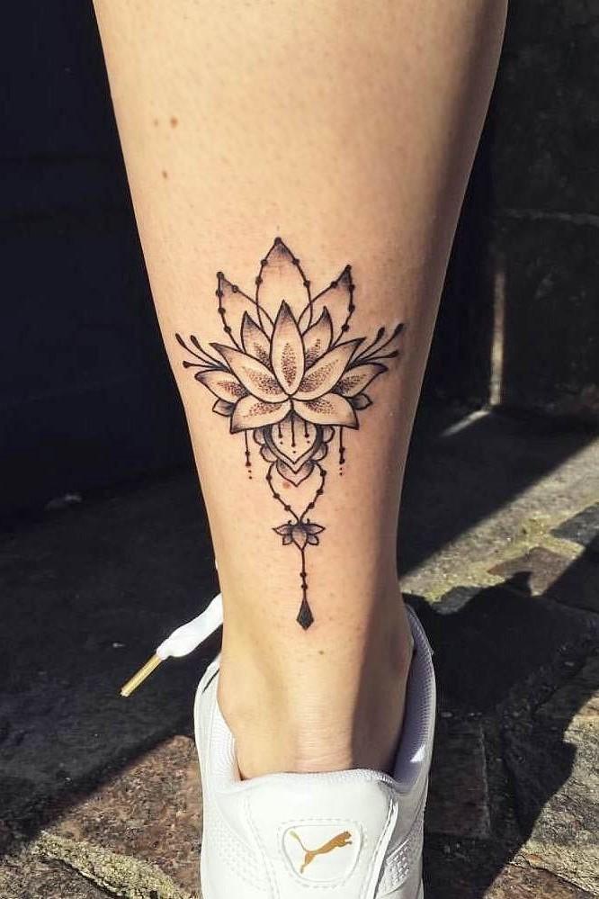 Lorsque examiné de près, le cycle de vie du lotus est une métaphore, une allégorie par laquelle les humains peuvent s'élever. Cette idée est reprise par de nombreuses religions asiatiques telles que l'hindouisme, le bouddhisme, le taoïsme et le shintoïsme.