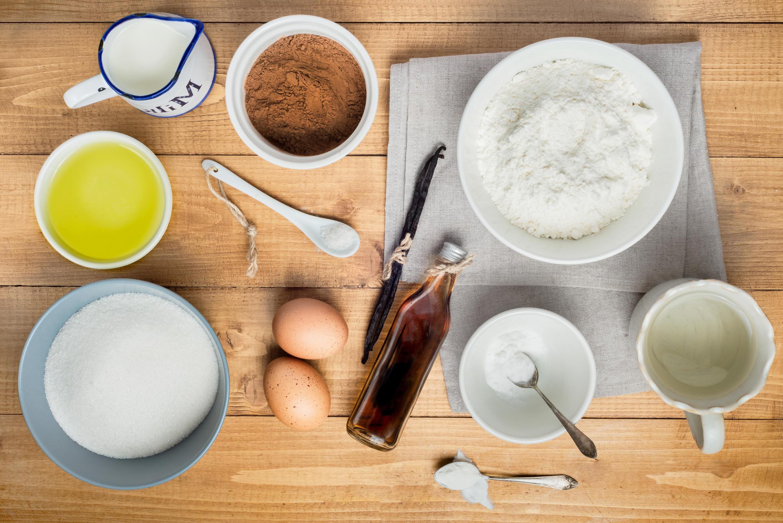 Pour un gâteau simple et rapide on n'a besoin que des ingrédients qu'on a dans le placard.