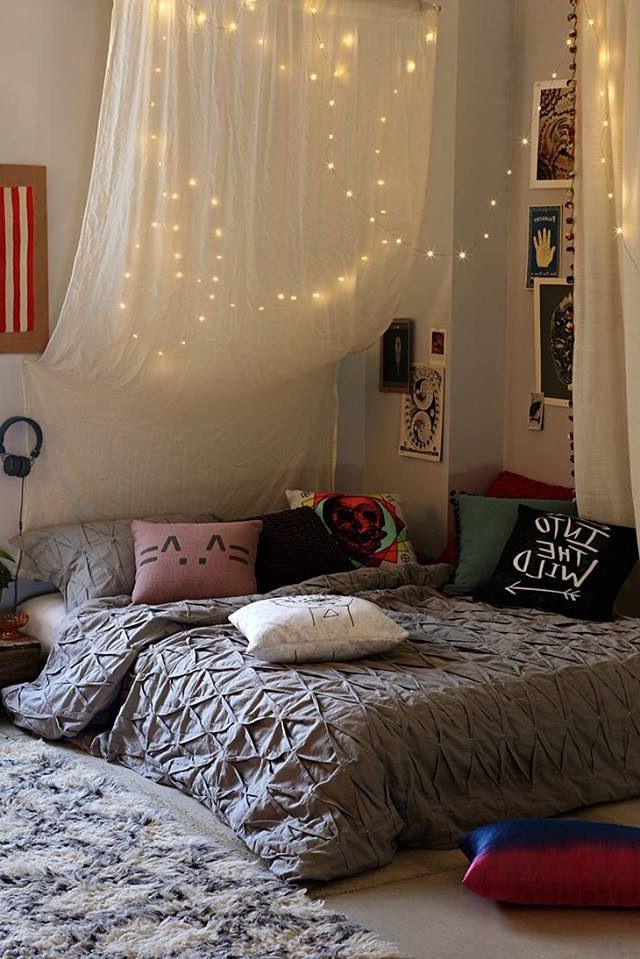 Voulez-vous rafraîchir votre chambre? Ajoutez une guirlande lumineuse led.