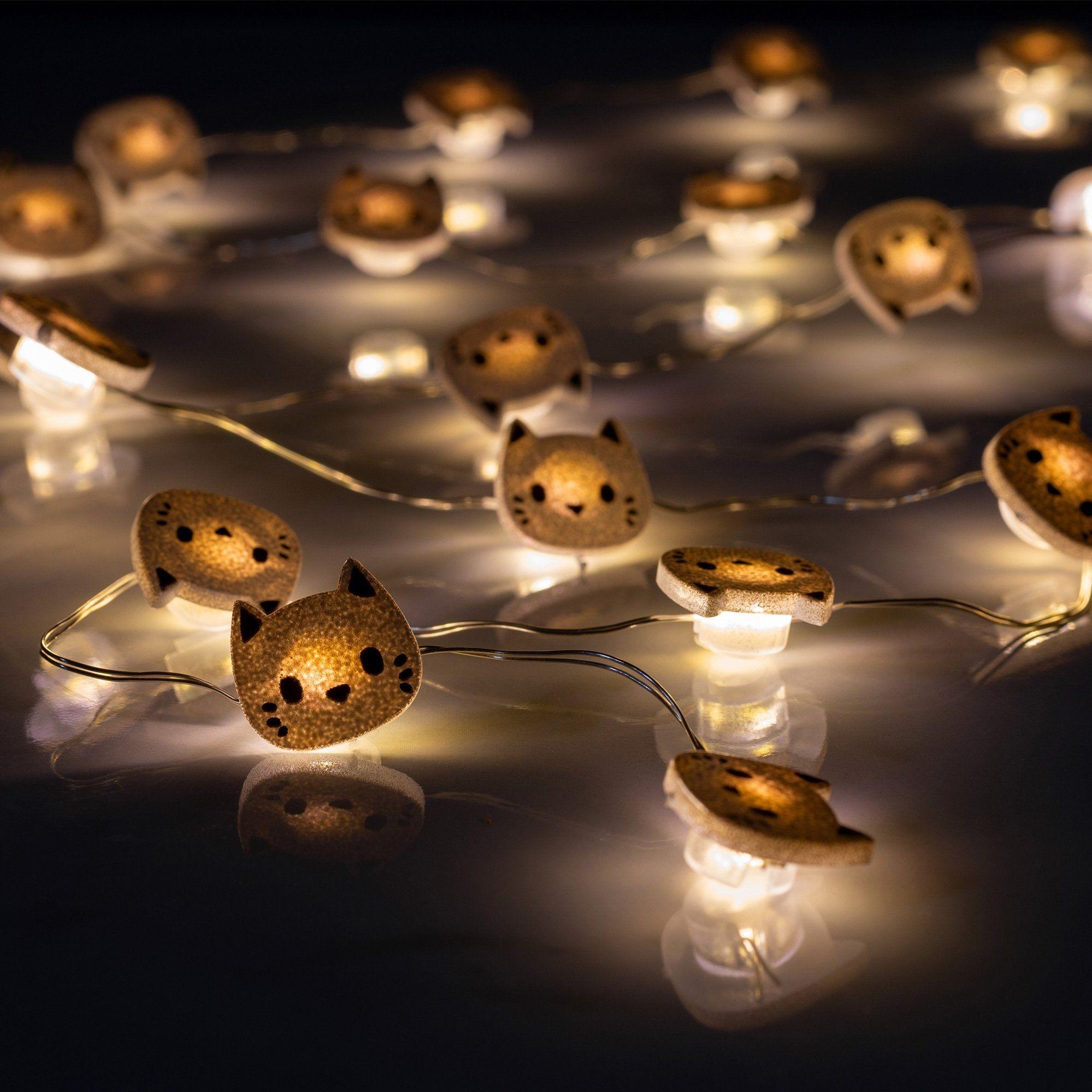 Cette guirlande lumineuse unique sera parfaite pour la chambre de vos enfants.