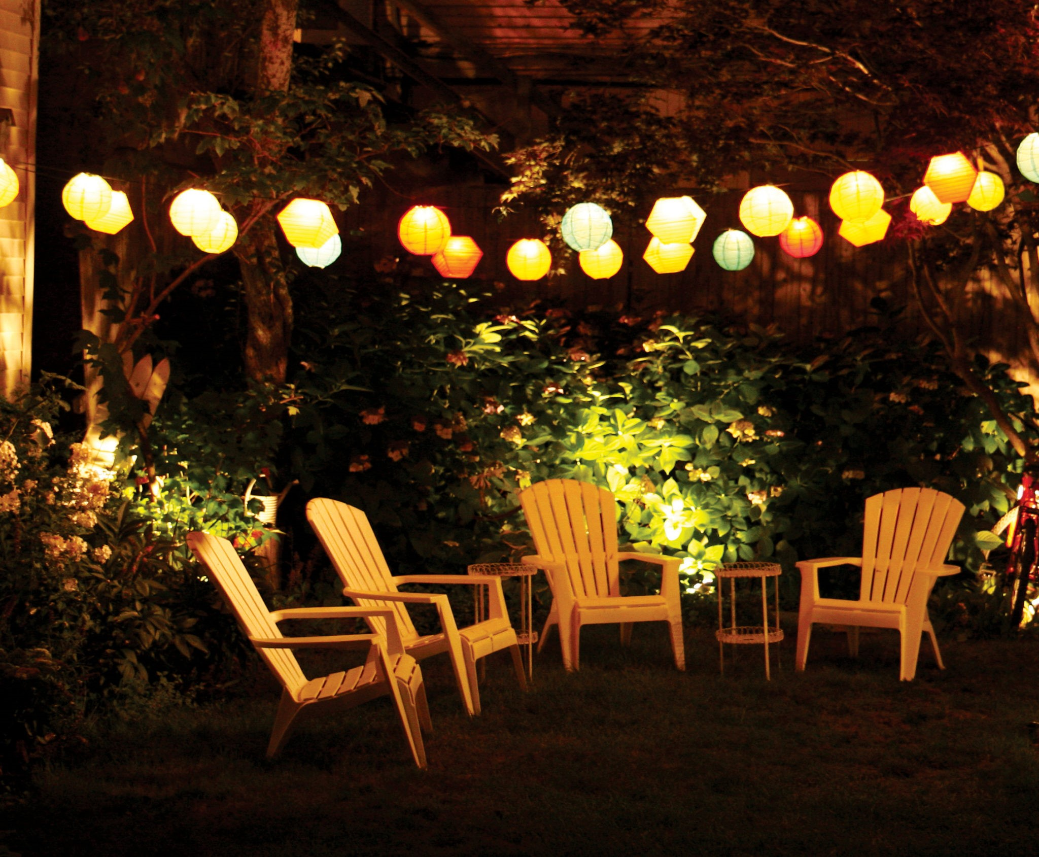 Cette décoration est la meilleure pour une fête d'été dans le jardin.