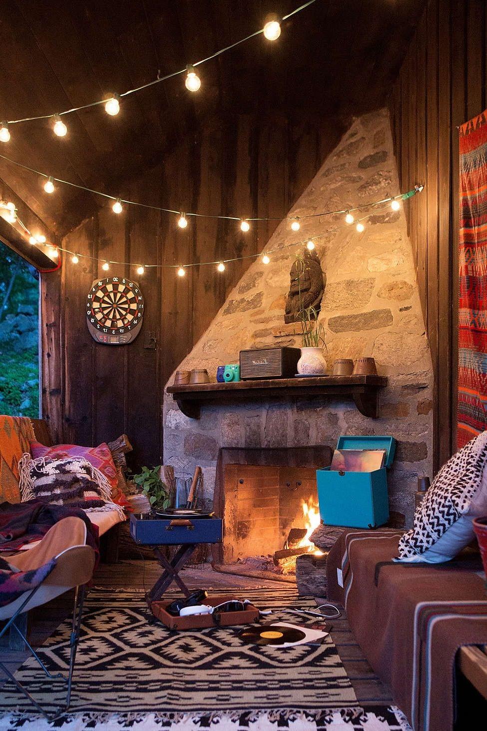 Les guirlandes lumineuses sont un ajout formidable à votre décor d'hiver: elles créent une atmosphère si chaleureuse.