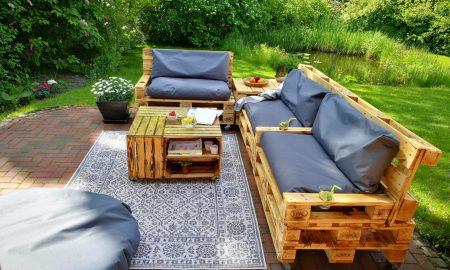 Meuble de palette - un canapé de jardin en blanc