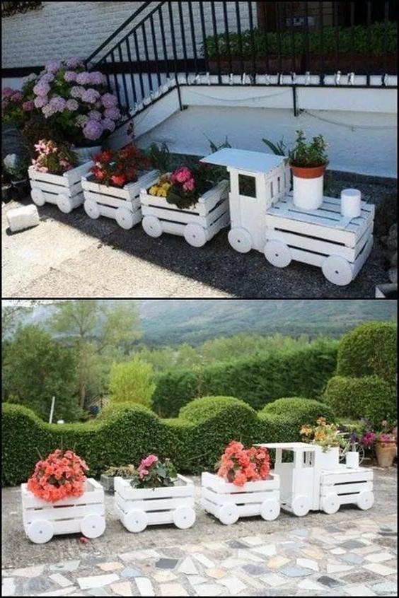 Meuble de palette - une idée pour une étagère à fleurs en forme de train