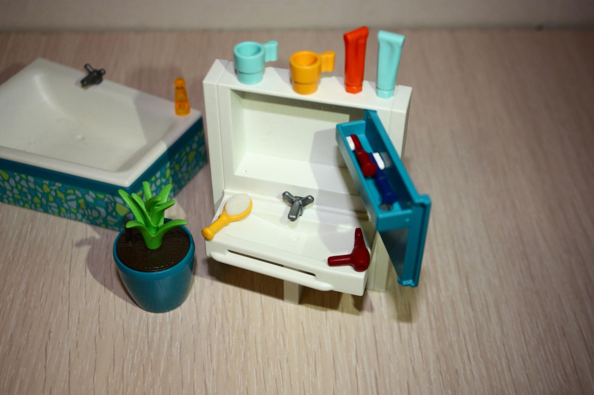 Rangez vos accessoires dans l'armoire de la salle de bain