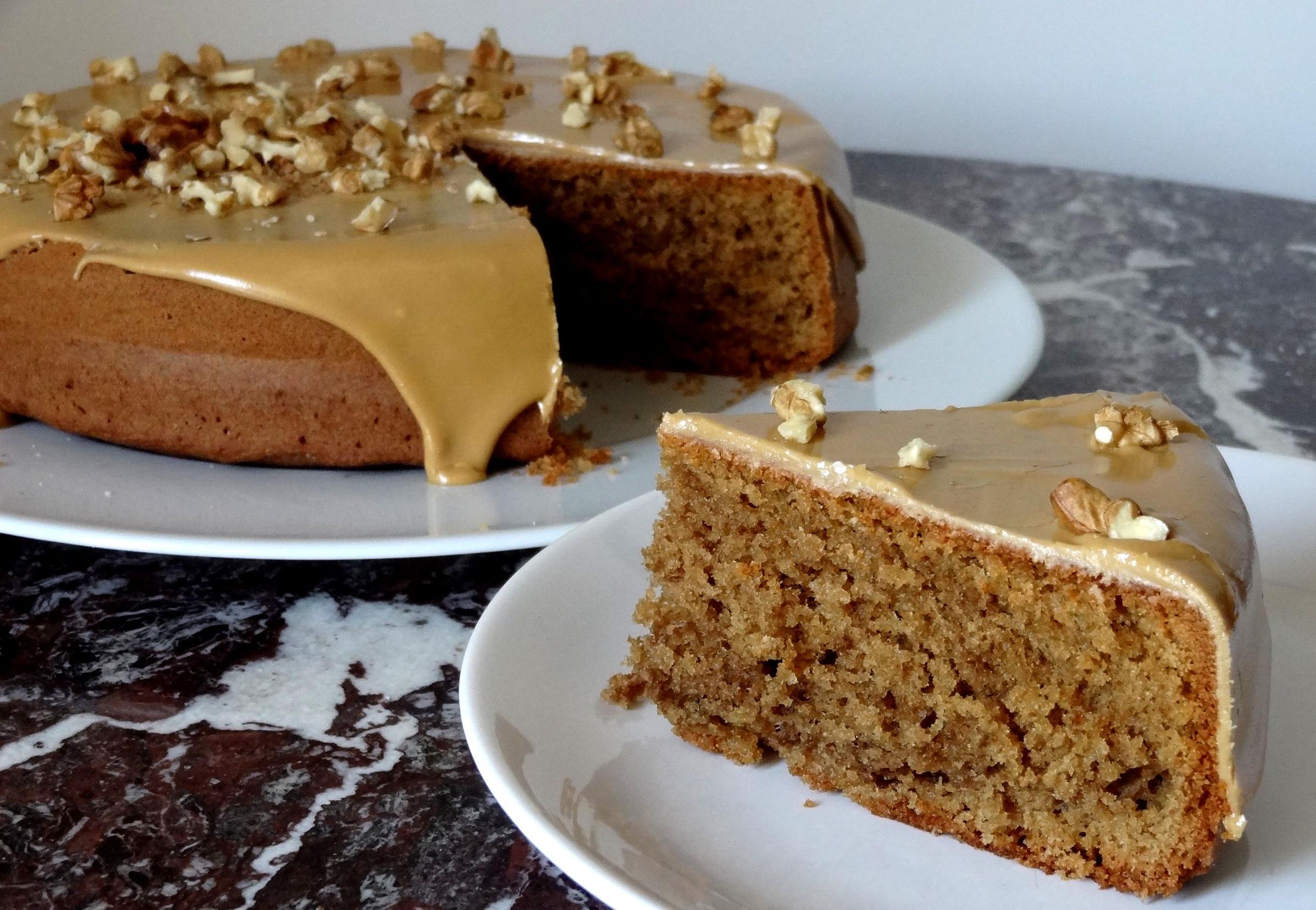 Un gâteau aromatisé au café est fait pour les débutants en pâtisserie