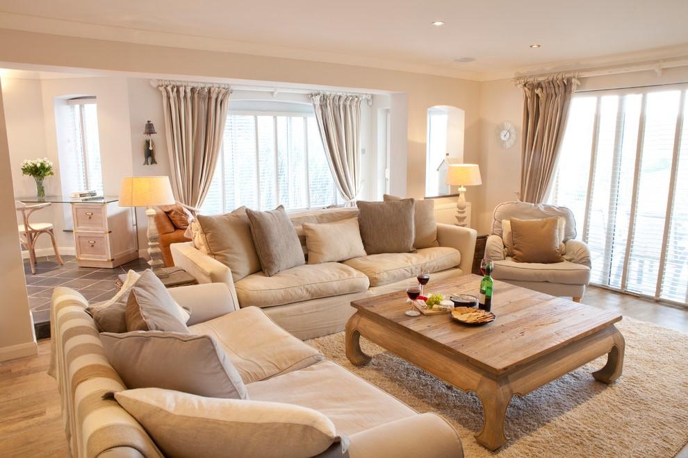 Assurez-vous que le mobilier est confortable et que les tissus sont doux au toucher.