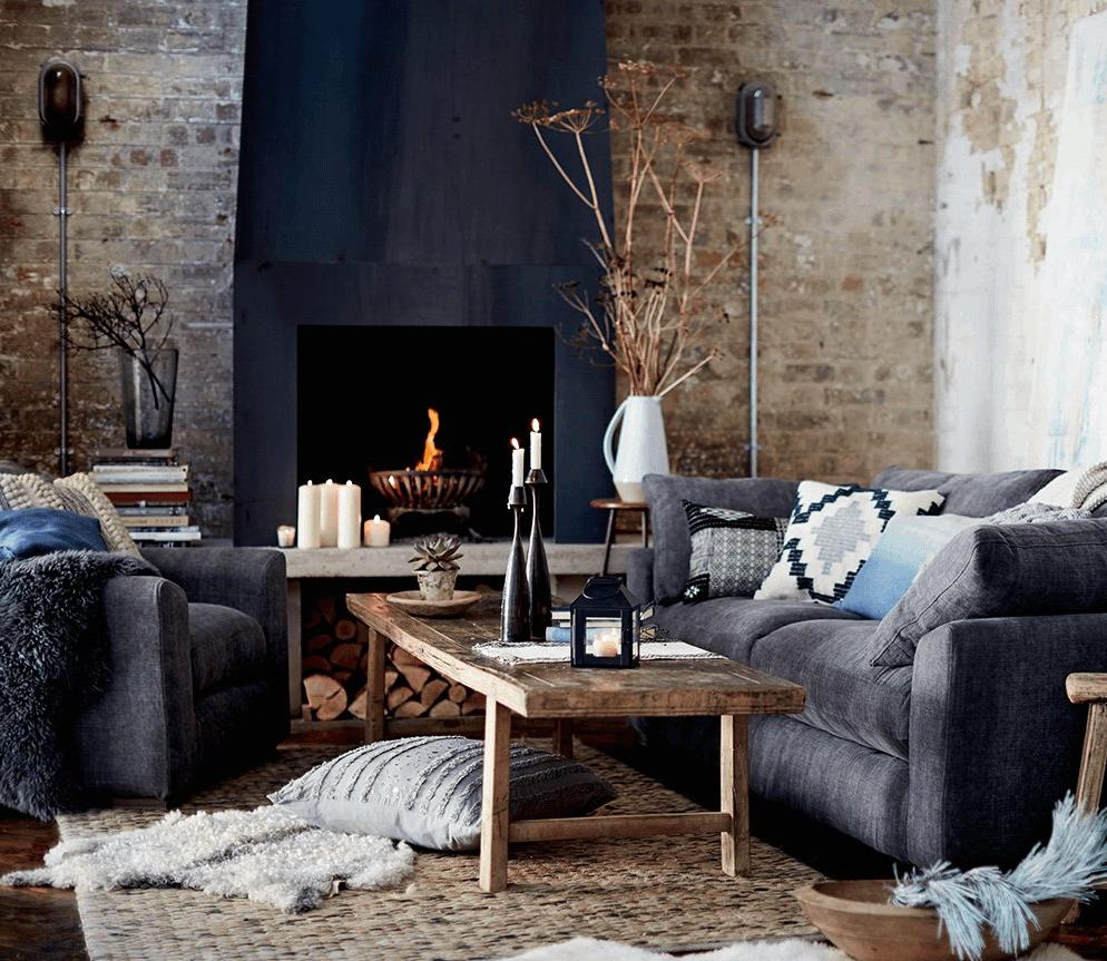 Si vous êtes fatigué des couleurs neutres, décorez votre salon dans le style éclectique.