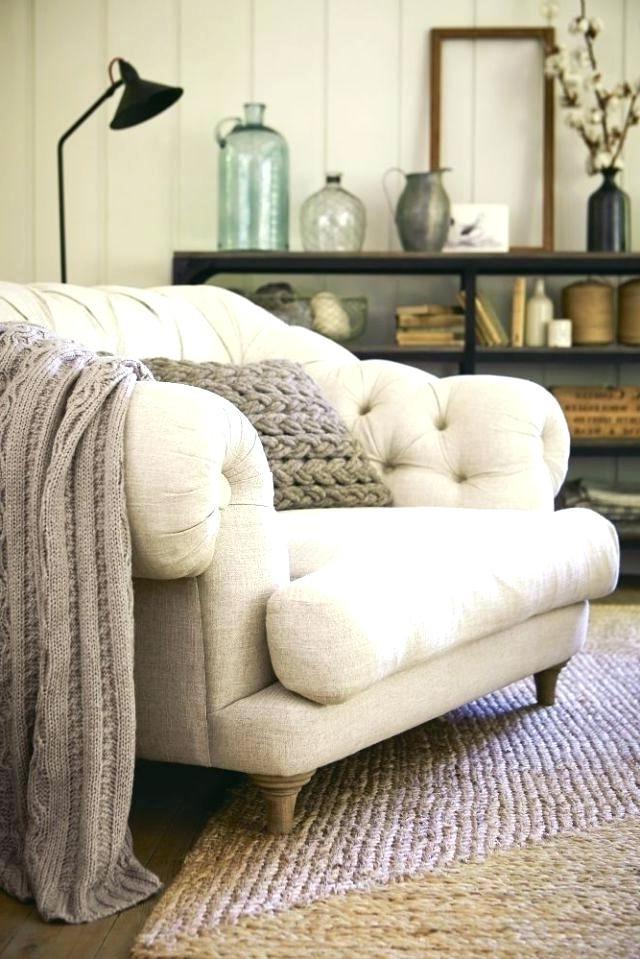 Désormais, cette pièce contient un article dont chaque pièce confortable a besoin: une couverture en laine.