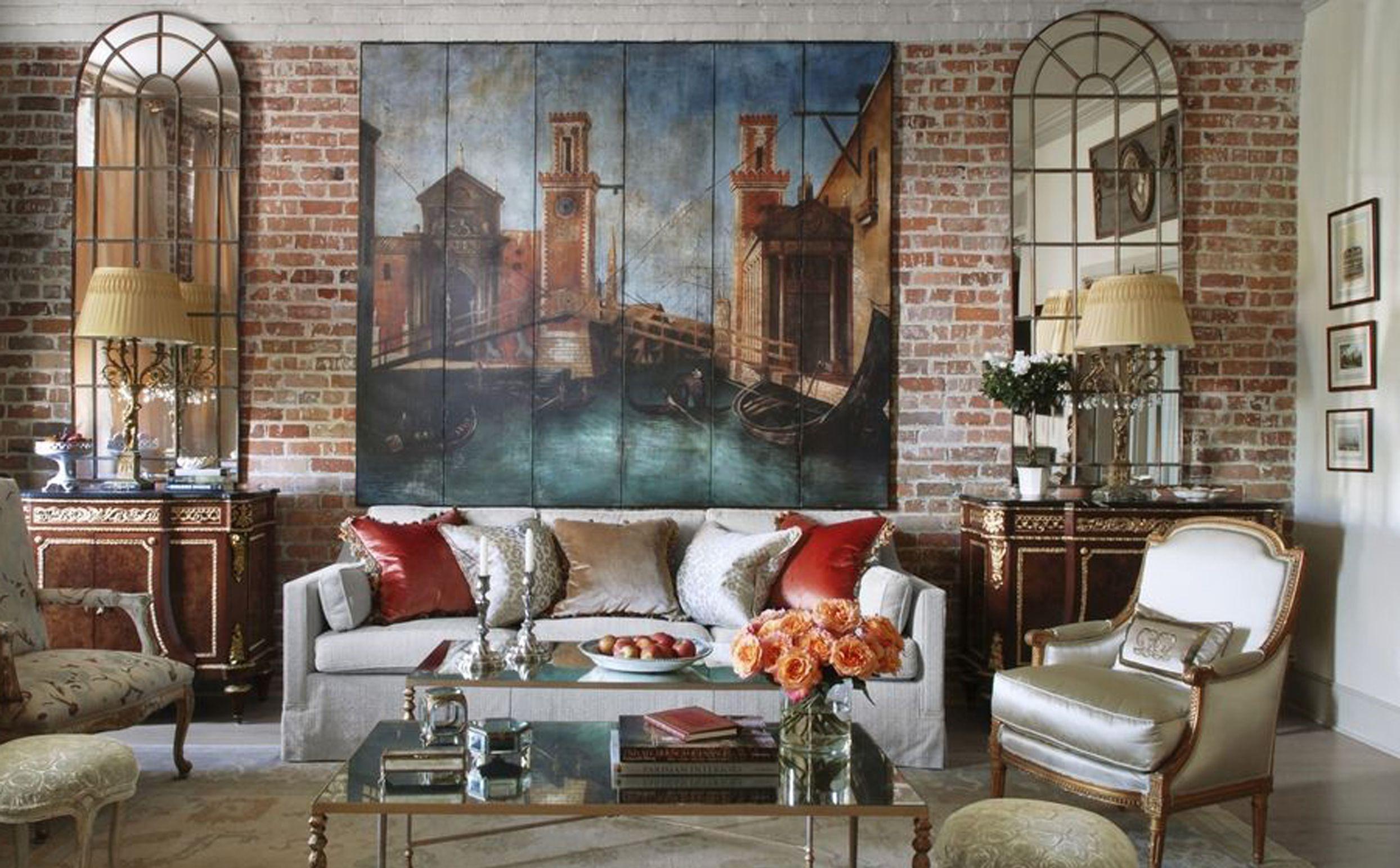 Une autre façon de rendre la pièce plus intéressante consiste à acheter une grande œuvre d'art mural.