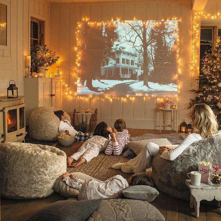 Improvisez un cinéma pour réunir toute la famille.