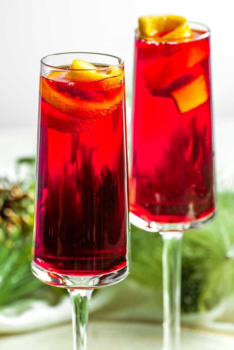 Poinsettia: un cocktail de champagne de vacances classique.