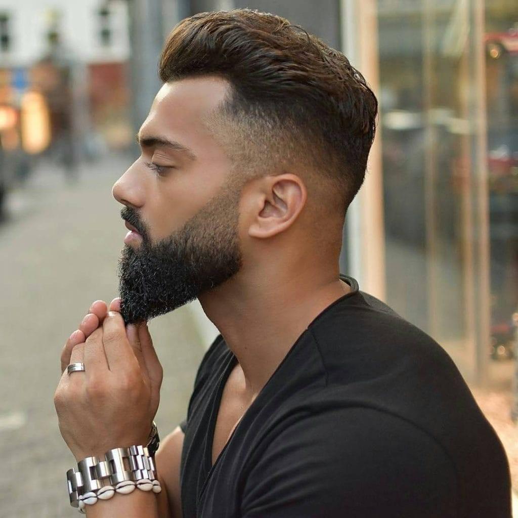 Il faut de la pratique et de l'expérience pour contrôler la taille de la barbe.