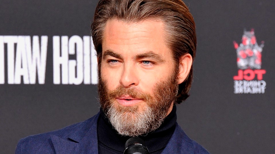 Le soin de la barbe évolue constamment. Apparaissent des produits jamais vus auparavant, tels que le baume à barbe (également appelé beurre à la barbe, crème à la barbe ou cire à barbe).