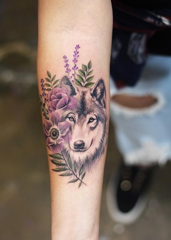 Comme c'est beau ce tatouage! Si féminine et créative.