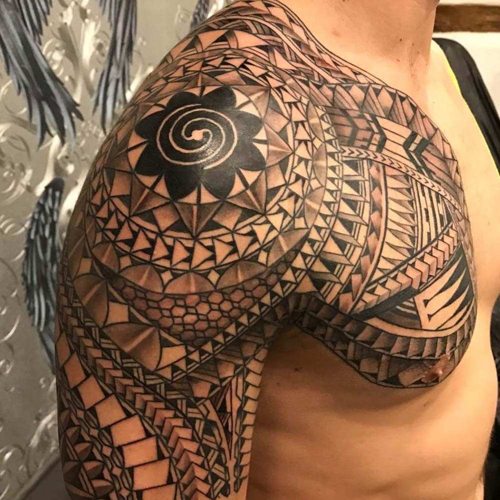 Le tatouage maori traditionnel, connu sous le nom de tā moko, a beaucoup de signification spirituelle et mythique.
