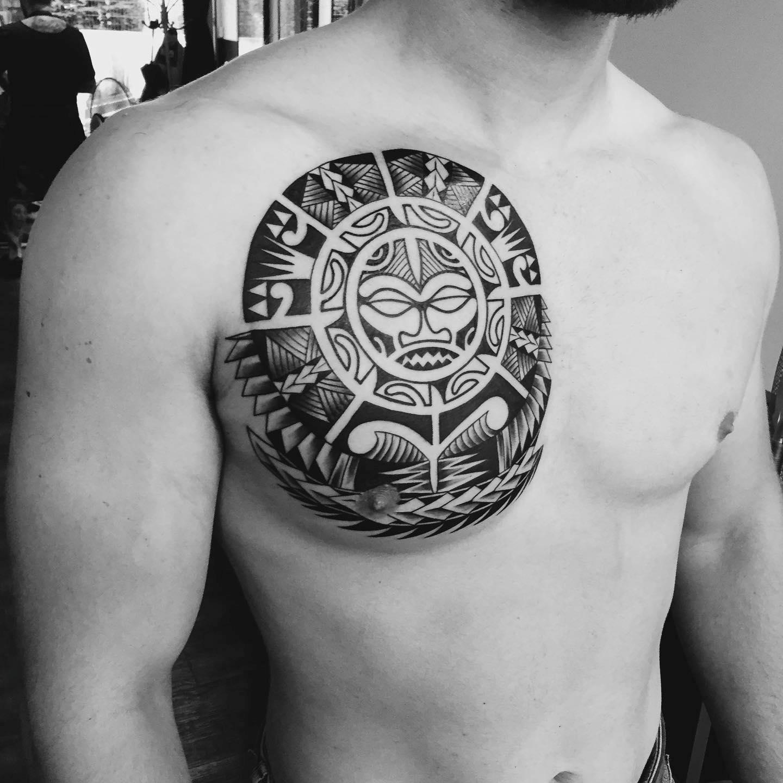 La signification des tatouages maoris est axée sur la spiritualité et la force.