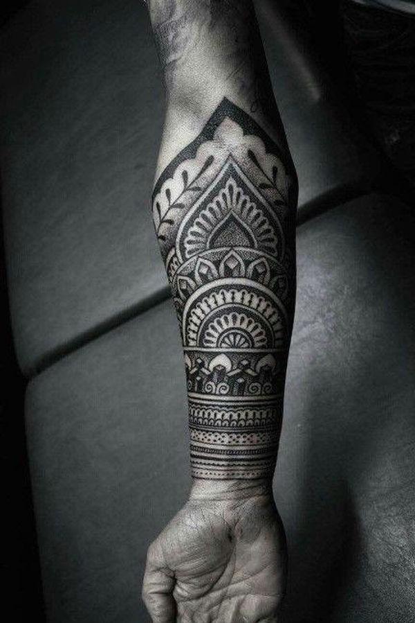 Bien que cela puisse sembler étrange de vous tatouer avec quelque chose de noir comme celui-là, il est sans doute plus étrange de ne pas saluer une force qui pourrait facilement vous tuer sans remords conscient.
