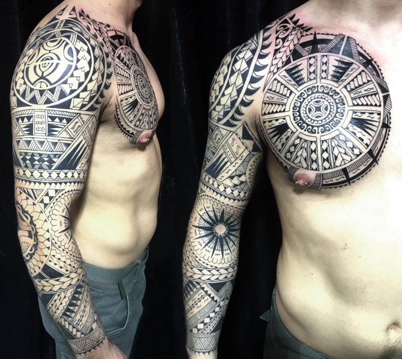 Les dessins maoris traditionnels sont très complexes et détaillés.