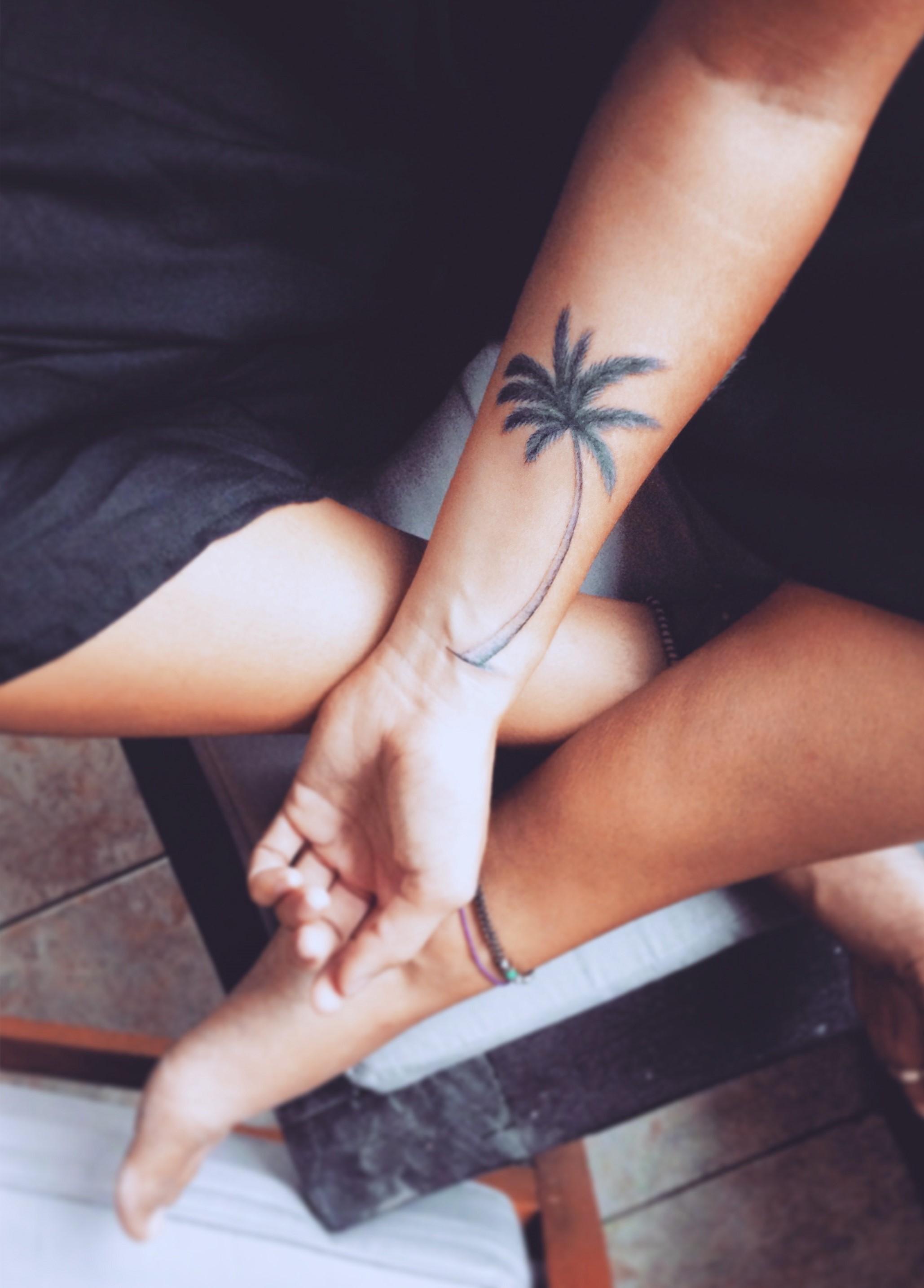 Selon les théories antiques, les feuilles du palmier sont considérées comme un symbole de Dieu.