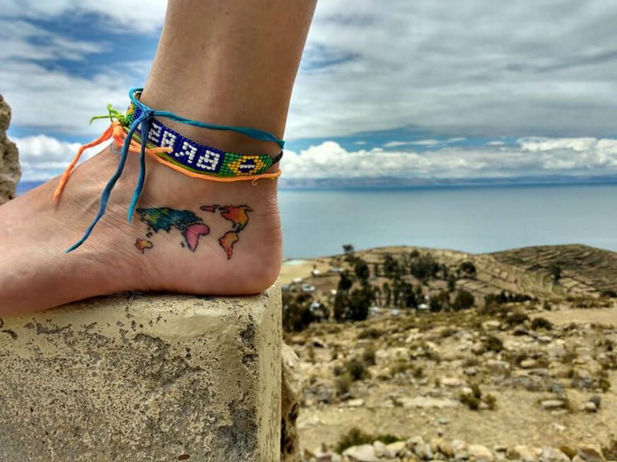 Quoi que vous décidiez, réfléchissez à la signification du tatouage de voyage et amusez-vous!