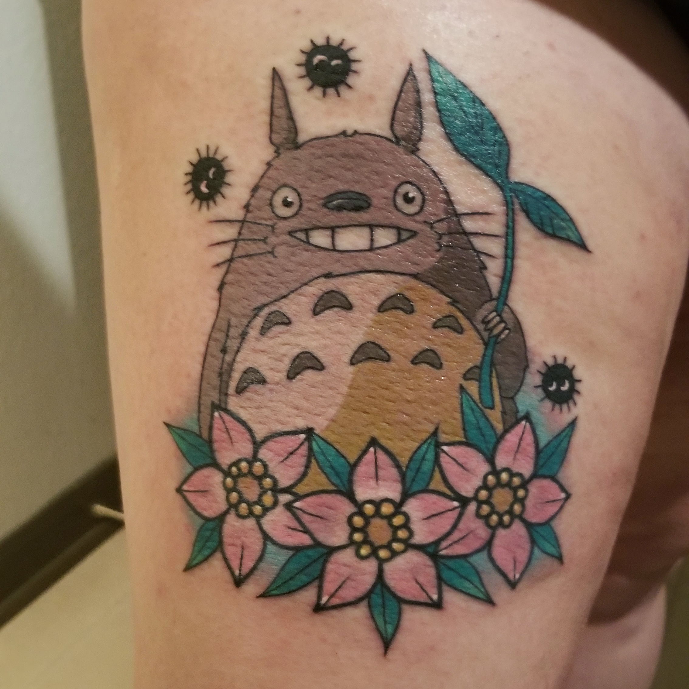 Faire remarquer avec ce tattoo mignon de Totoro