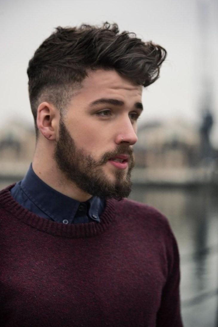 La plupart des coupes de cheveux sont des versions adaptées de coiffures vintage de grande classe.