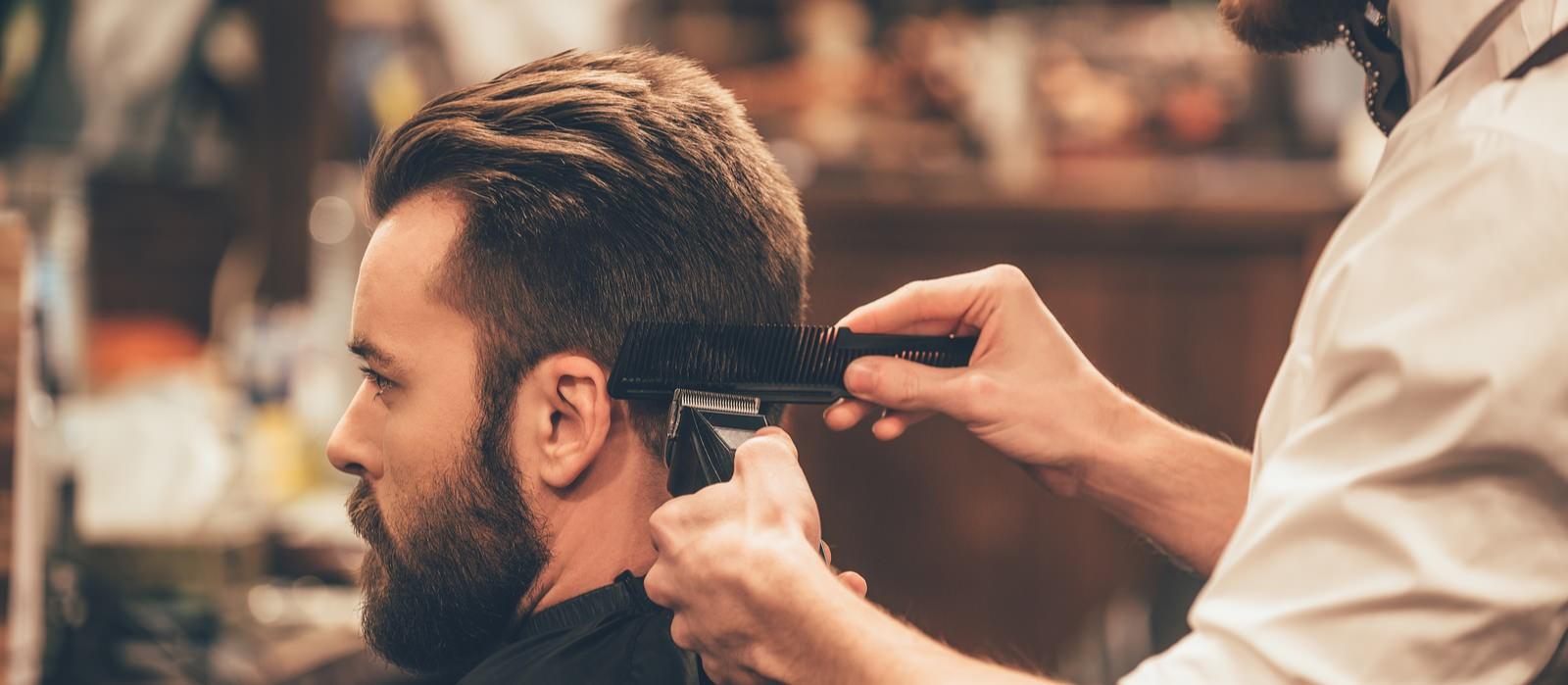 N'oubliez pas que tout ceci est bénéfique, car il contribue à maintenir des cheveux sains et faciles à coiffer.