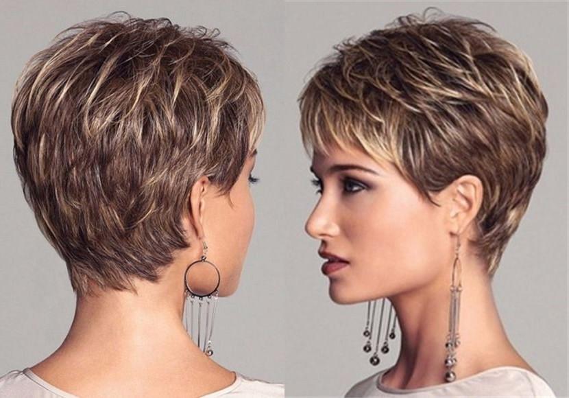 Utilisez un spray sur cheveux secs pour créer un look sexy.