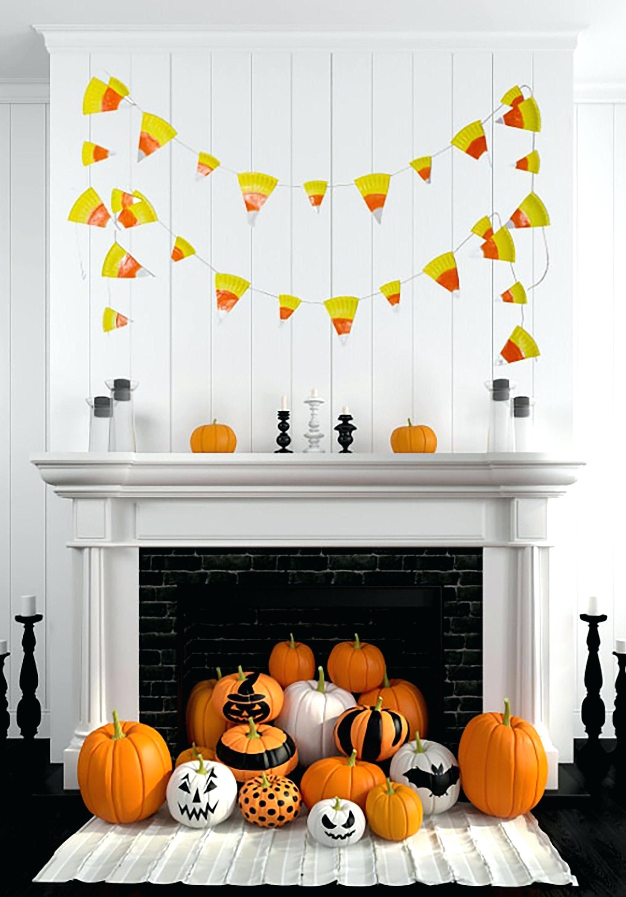 Au milieu du dix-neuvième siècle, les festivités annuelles d'automne étaient courantes, mais Halloween n'était pas encore célébrée partout dans le pays.
