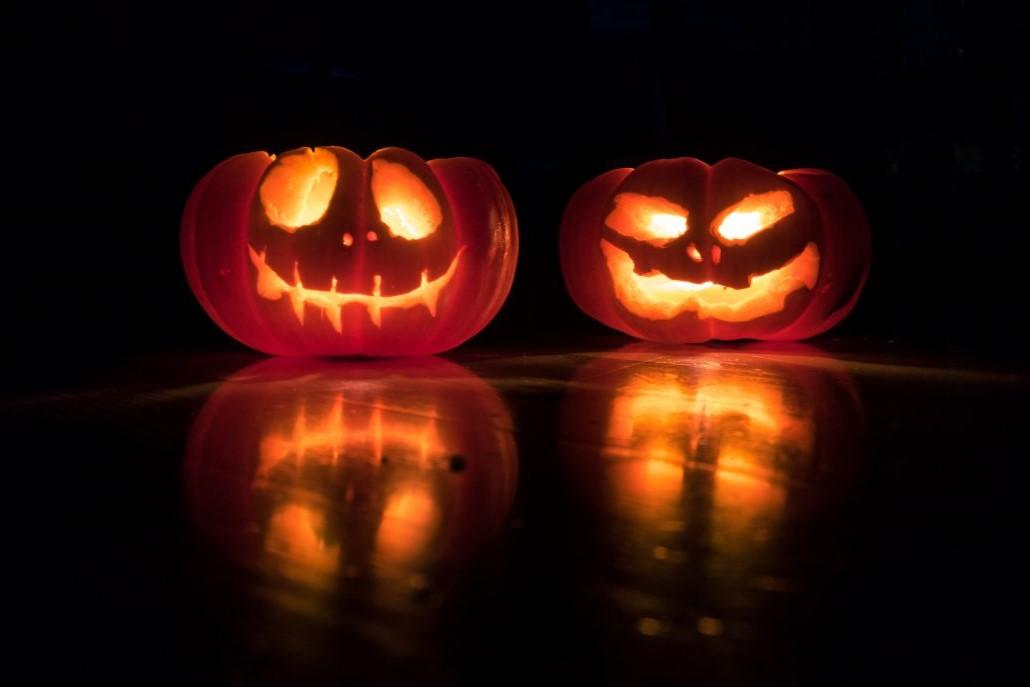 À la fin des années 1800, les États-Unis ont décidé de faire de l'Halloween une fête axée sur la communauté et les rencontres plutôt que sur les fantômes, les farces et la sorcellerie.