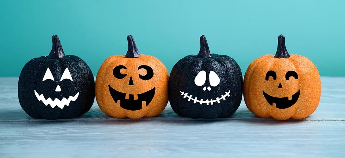 Au tournant du siècle, les fêtes d'Halloween pour les enfants et les adultes devinrent le moyen le plus courant de célébrer cette journée.