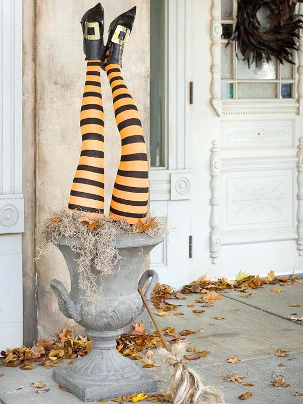 Dans les années 1950, les dirigeants municipaux avaient réussi à limiter le vandalisme et Halloween était devenue un jour férié destiné principalement aux jeunes.