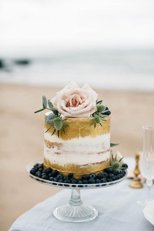 Comment décorer un gâteau nu?