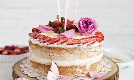 Gâteau d'anniversaire nu