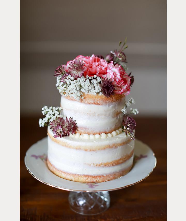 Sublimes decorations avec des fleurs pour votre gâteau d'anniversaire