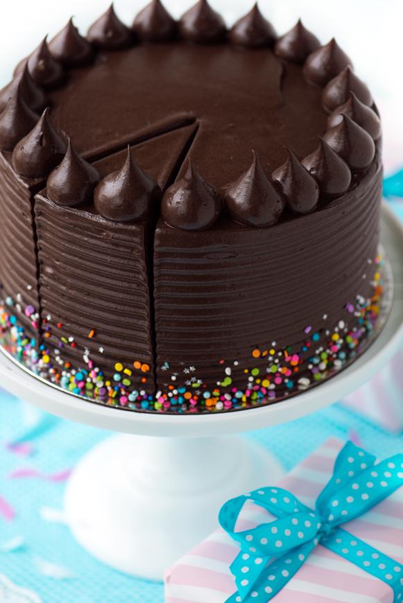Trouvez l'inspiration avec nos recettes simples de gâteau d'anniversaire au chocolat