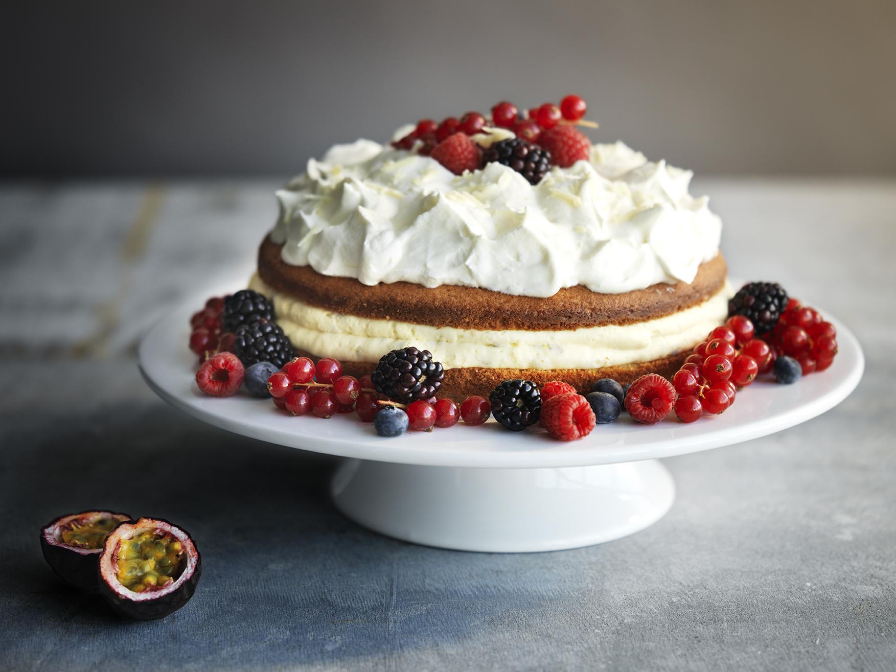 Gâteau nu aux fruits rouges et noirs!