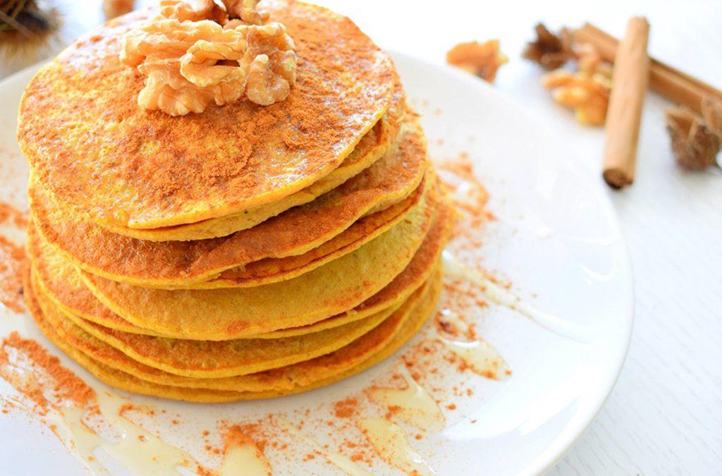Crêpes healthy et gourmandes garnies de miel et de cannelle