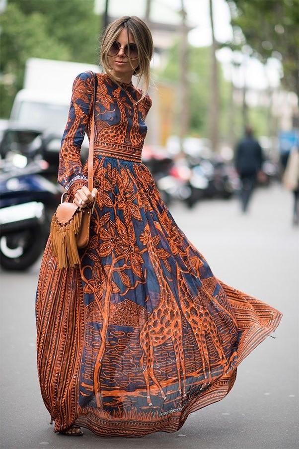 Lorsque vous construisez votre garde-robe boho chic, choisissez des articles fabriqués à partir de tissus naturels tels que le coton, le lin, le velours, la mousseline et le cuir.