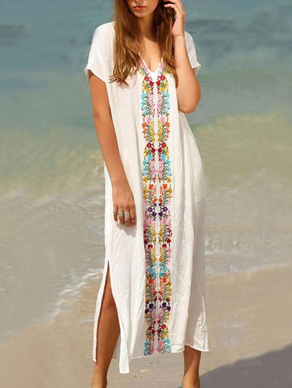La robe longue bohème est tout simplement parfaite pour les promenades en famille ou entre amis car confortable et jolie à la fois.