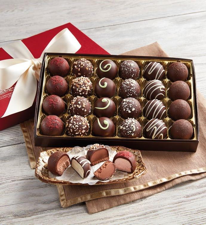 Cette année, le Salon du Chocolat inaugure un nouvel espace 100% pâtisserie sous le patronage de Philippe Conticini.
