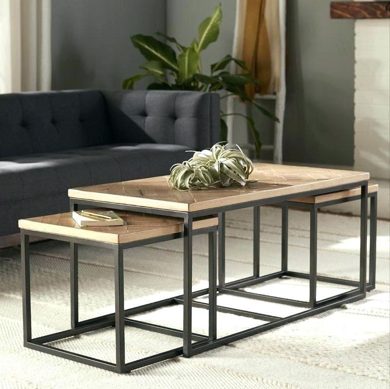Optez de matériaux et de styles qui complètent un look extérieur.