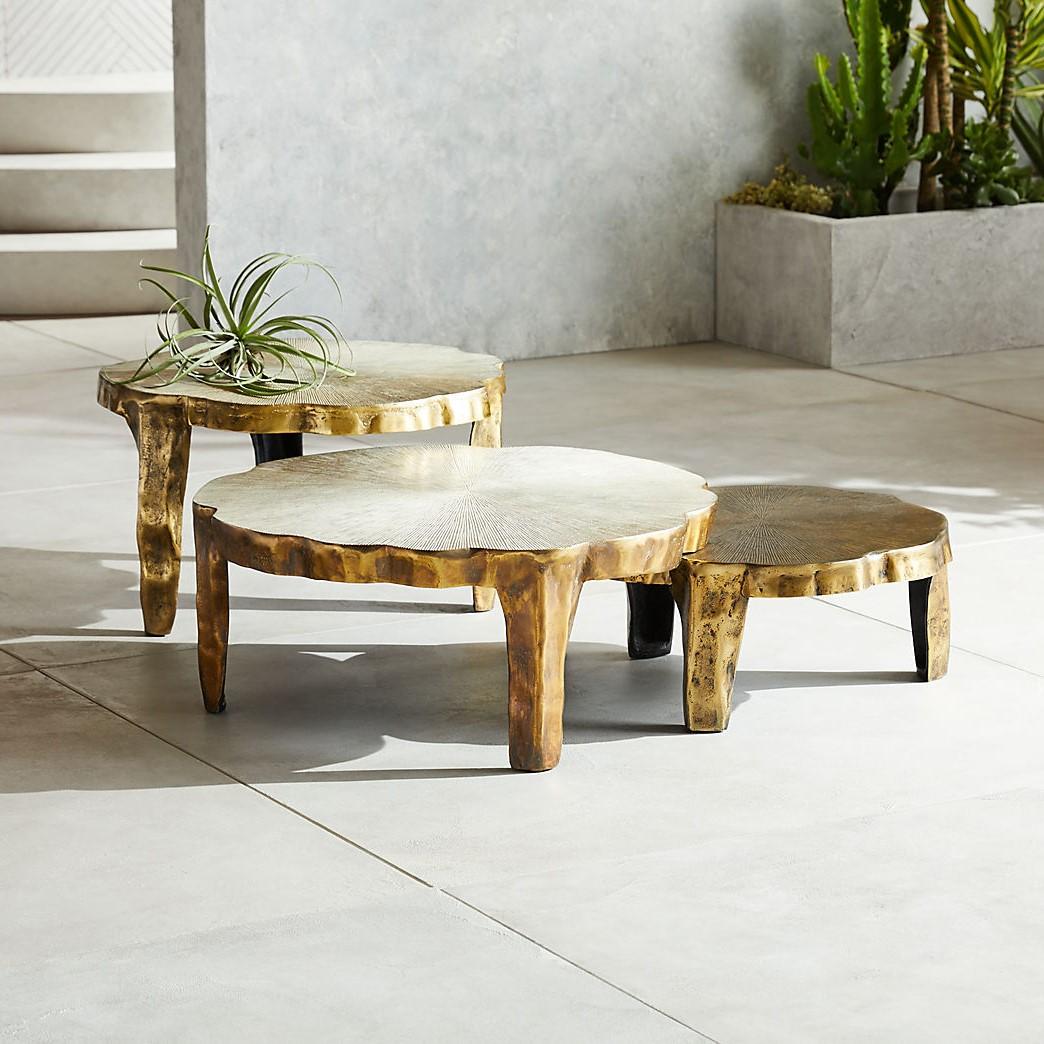 La table gigogne est la décision parfaite pour les meubles d'extérieur.