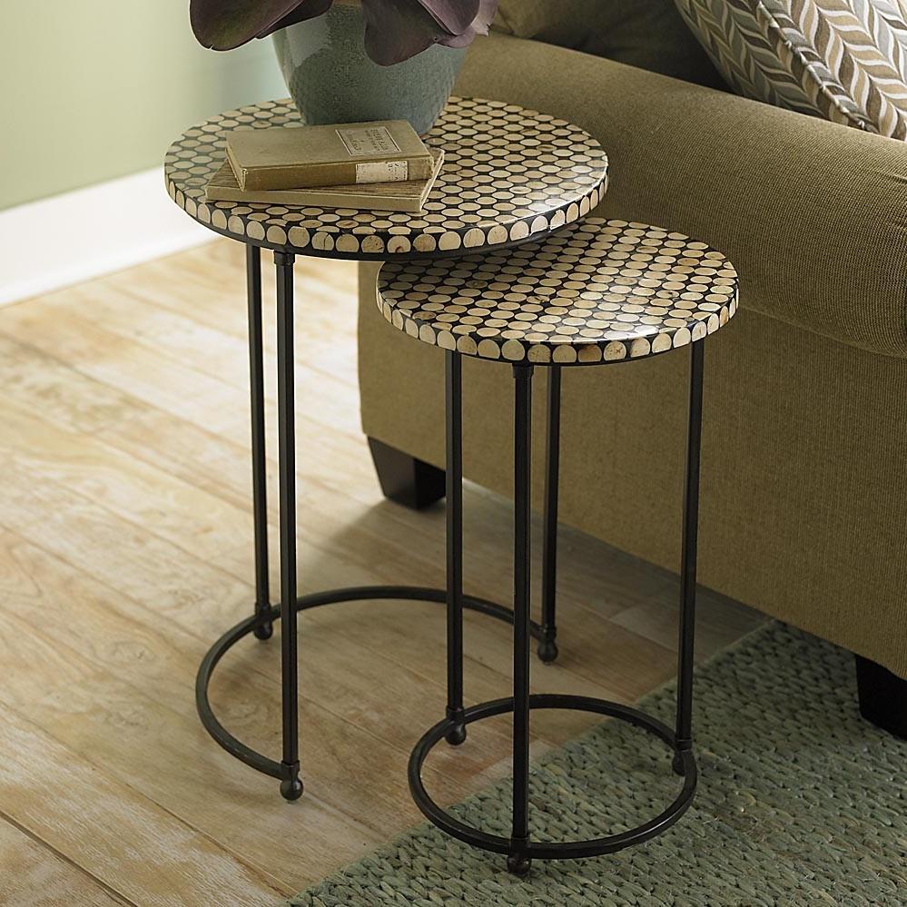 Il y a des tables gigognes qui conviennent à tous les styles de décor.