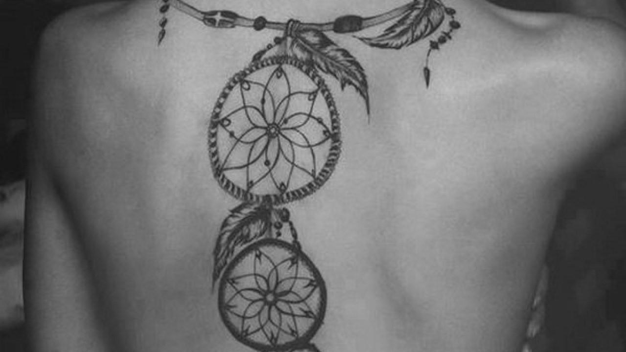 On croit que chaque mouvement des plumes signifie le passage d'un nouveau rêve paisible.